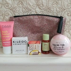 Other - Ipsy Cosmetic Bag w/5 Makeup Samples